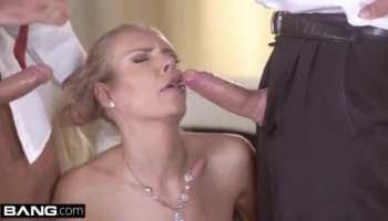 ragazza si masturba in webcam