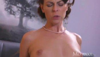 Jayden & Taylor Lesbiche Massaggio Orgasmo!